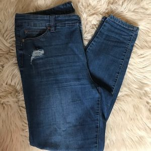 Molly and Isadora mid rise skinny jeans. Sz 16